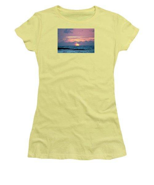 Hawaiian Ocean Sunrise Women's T-Shirt (Athletic Fit)