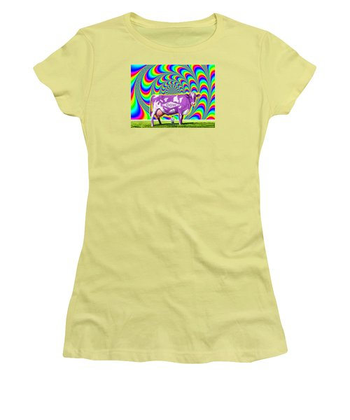 How Now Dow Cow? Women's T-Shirt (Athletic Fit)