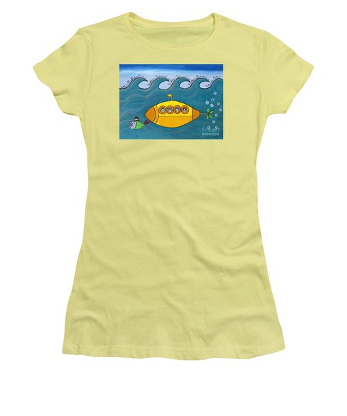 Lets Sing The Chorus Now - The Beatles Yellow Submarine Women's T-Shirt (Athletic Fit)