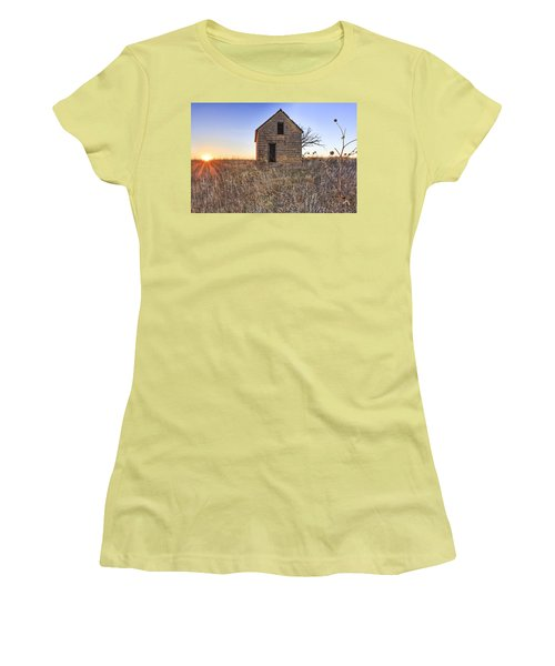 Lonely Homestead Women's T-Shirt (Athletic Fit)