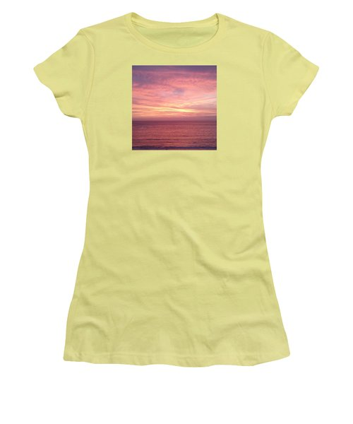Loving  Sunset Women's T-Shirt (Athletic Fit)