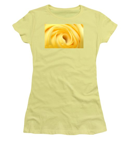 Macro Yellow Rose Women's T-Shirt (Athletic Fit)