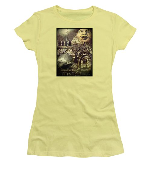 Melies Man In The Moon Women's T-Shirt (Athletic Fit)