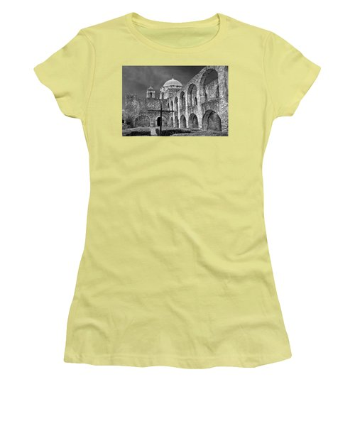 Mission San Jose Arches Bw Women's T-Shirt (Athletic Fit)
