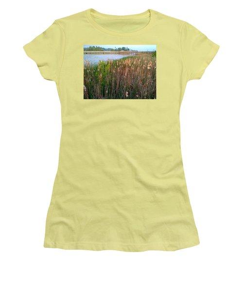 Moss Landing Washington North Carolina Women's T-Shirt (Athletic Fit)