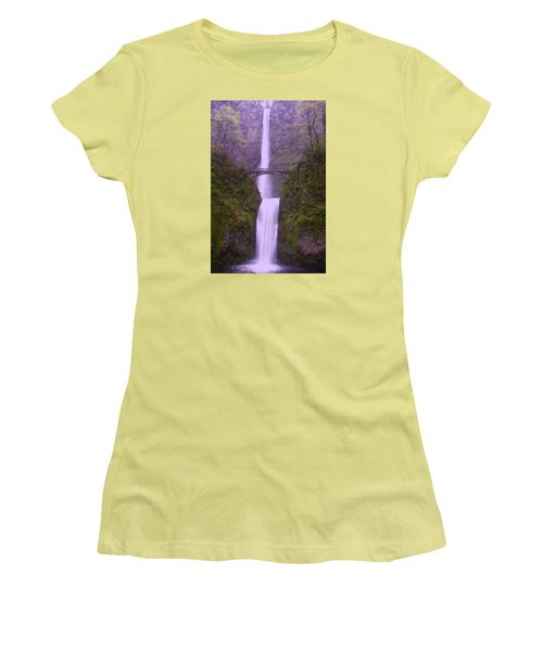 Multnomah In The Drizzling Rain Women's T-Shirt (Junior Cut) by Jeff Swan