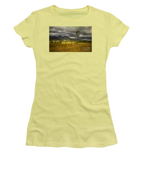 Old Windmill Women's T-Shirt (Athletic Fit)