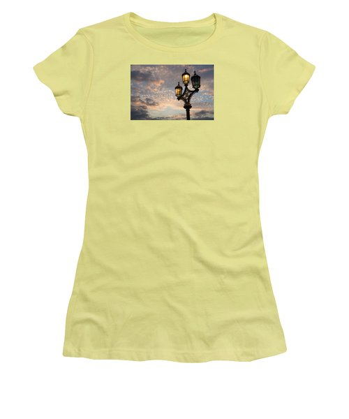 One Light Out - Westminster Bridge Streetlights - River Thames In London Uk Women's T-Shirt (Junior Cut) by Georgia Mizuleva