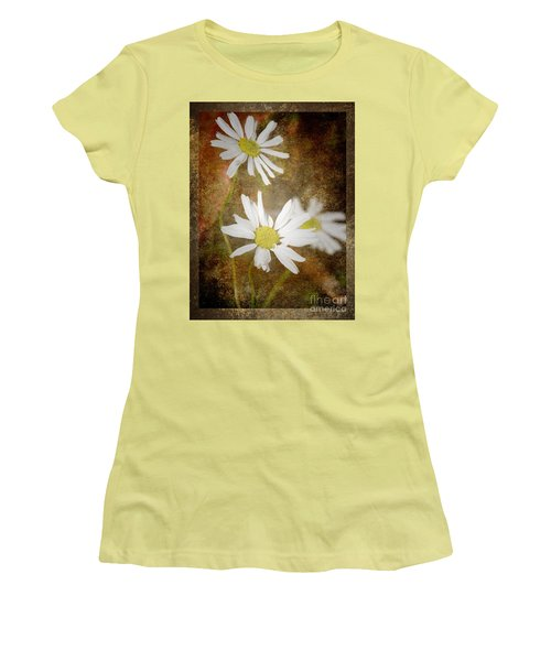 Ox Eye Dasies Women's T-Shirt (Athletic Fit)