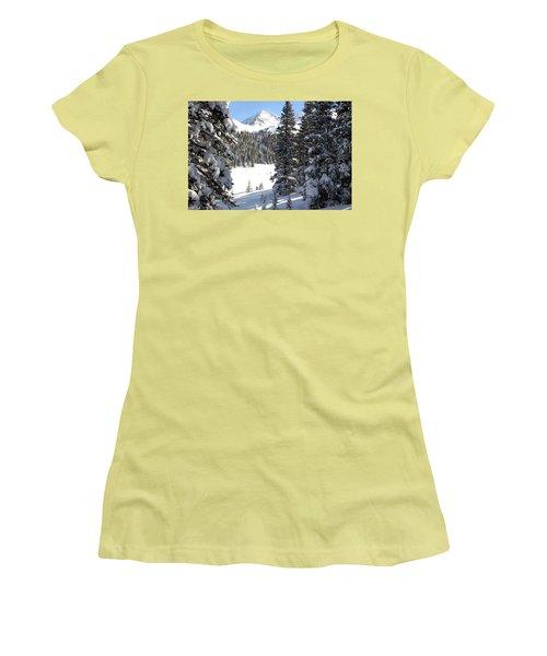 Peak Peek Women's T-Shirt (Athletic Fit)