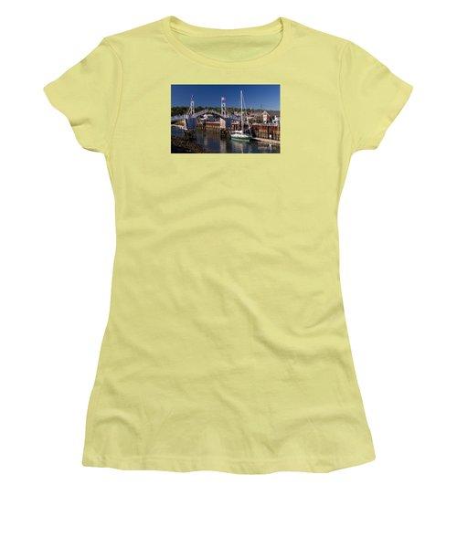 Perkins Cove Ogunquit Maine Women's T-Shirt (Athletic Fit)