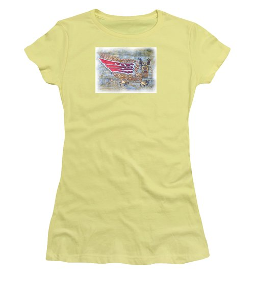 Women's T-Shirt (Junior Cut) featuring the photograph Piasa Bird In Oils by Kelly Awad