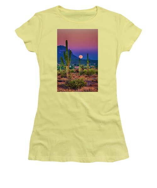 Postcard Perfect Arizona Women's T-Shirt (Athletic Fit)