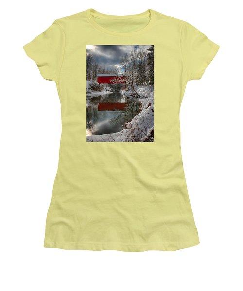 reflection of Slaughterhouse covered bridge Women's T-Shirt (Junior Cut) by Jeff Folger
