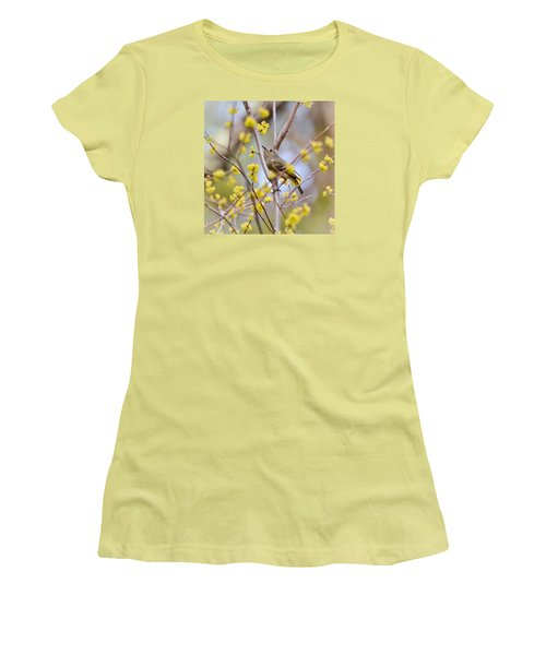 Women's T-Shirt (Junior Cut) featuring the photograph Ruby-crowned Kinglet by Kerri Farley