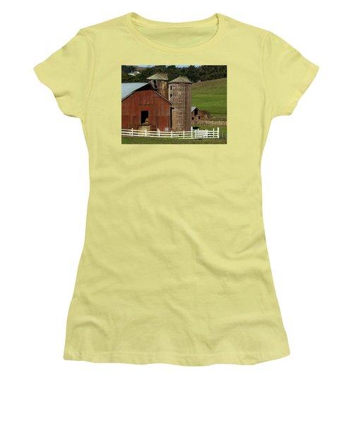 Rural Barn Women's T-Shirt (Junior Cut) by Bill Gallagher