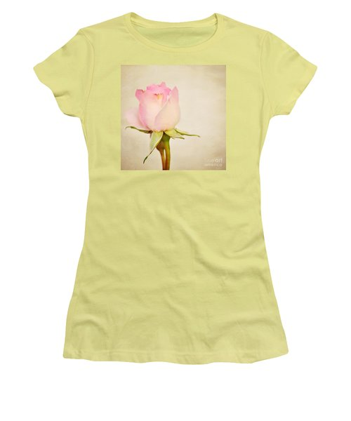 Single Baby Pink Rose Women's T-Shirt (Athletic Fit)