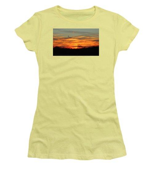 Sky At Sunset Women's T-Shirt (Junior Cut) by Cynthia Guinn
