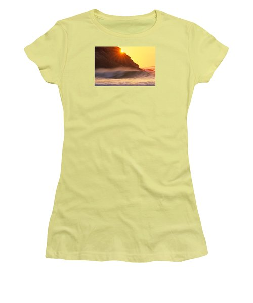 Sun Star Singing Beach Women's T-Shirt (Athletic Fit)