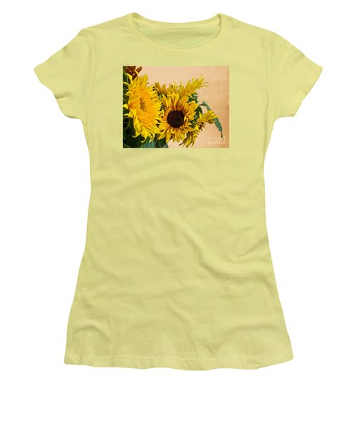Sunflowers On Old Paper Background Art Prints Women's T-Shirt (Athletic Fit)