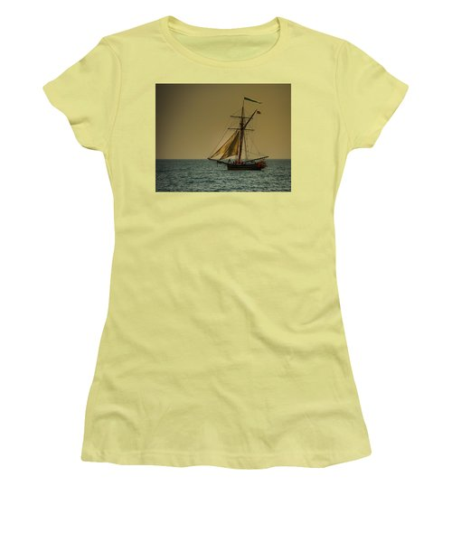 Sunset Voyage Women's T-Shirt (Athletic Fit)