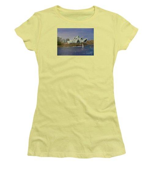 Sydney Opera House Women's T-Shirt (Athletic Fit)