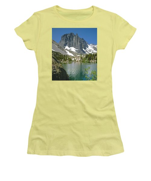 2m6437-temple Crag Women's T-Shirt (Athletic Fit)