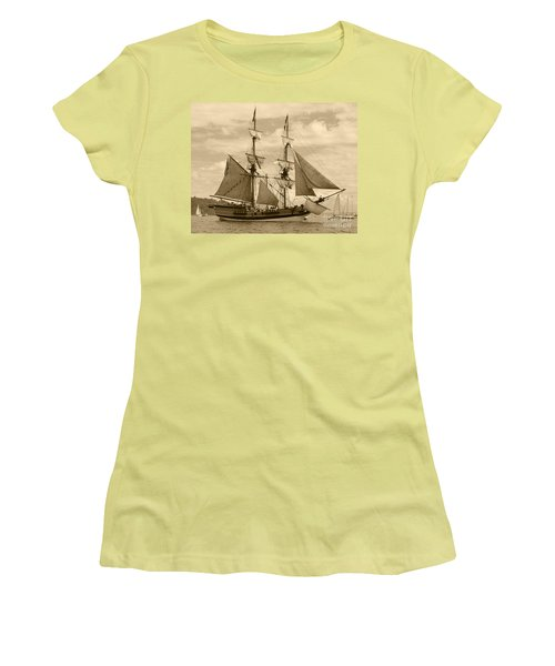 The Lady Washington Ship Women's T-Shirt (Athletic Fit)