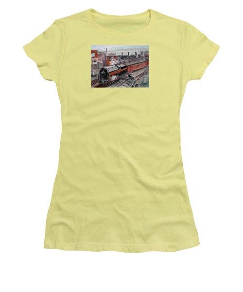 The Powhatan Arrow Roars Through The Yards Into Portmouth Women's T-Shirt (Junior Cut) by Frank Hunter