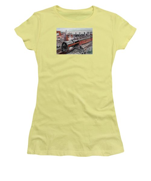The Powhatan Arrow Roars Through The Yards Into Portmouth Women's T-Shirt (Athletic Fit)