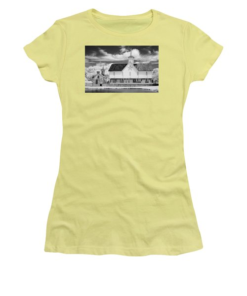 The Star Barn - Infrared Women's T-Shirt (Athletic Fit)