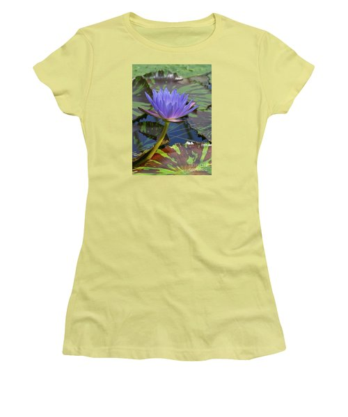 Tropic Water Lily 15 Women's T-Shirt (Athletic Fit)