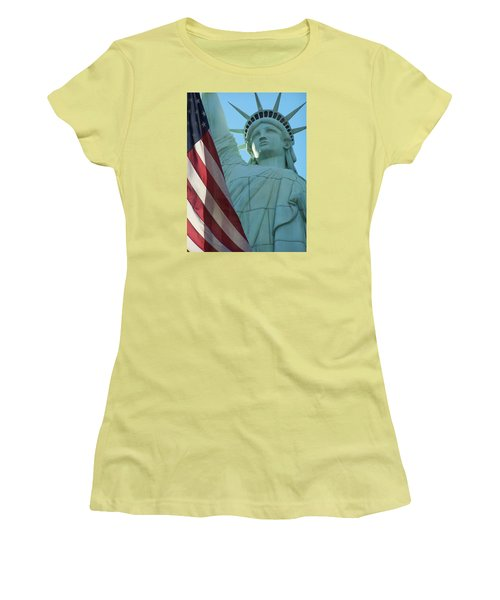 United States Of America Women's T-Shirt (Athletic Fit)