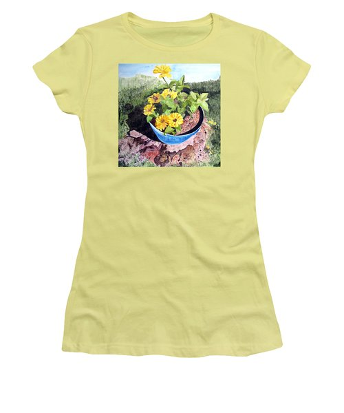 Zinnia On A Tree Stump Women's T-Shirt (Junior Cut) by Sandy McIntire