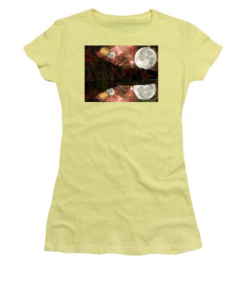 Alien World Women's T-Shirt (Athletic Fit)