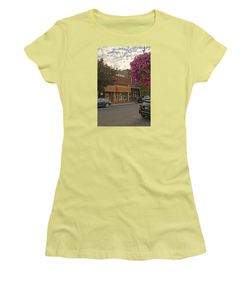 Blind Georges And Laughing Clam On G Street In Grants Pass Women's T-Shirt (Athletic Fit)