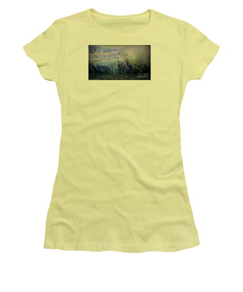 Colorado Colors Women's T-Shirt (Athletic Fit)