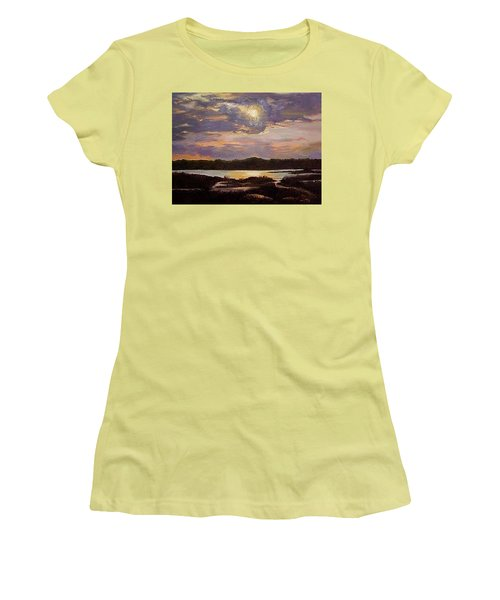 Hilton Head Sunset Women's T-Shirt (Athletic Fit)