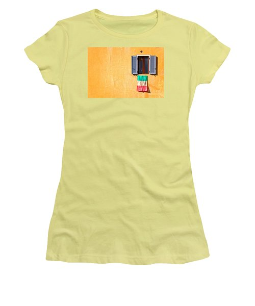 Italian Flag Window And Yellow Wall Women's T-Shirt (Junior Cut)