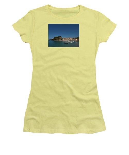 Parga  Women's T-Shirt (Athletic Fit)