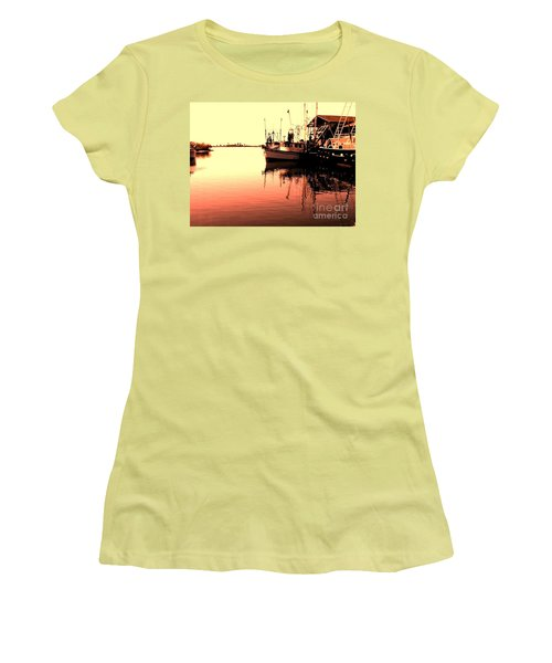 Women's T-Shirt (Junior Cut) featuring the photograph Sunset by Janice Spivey