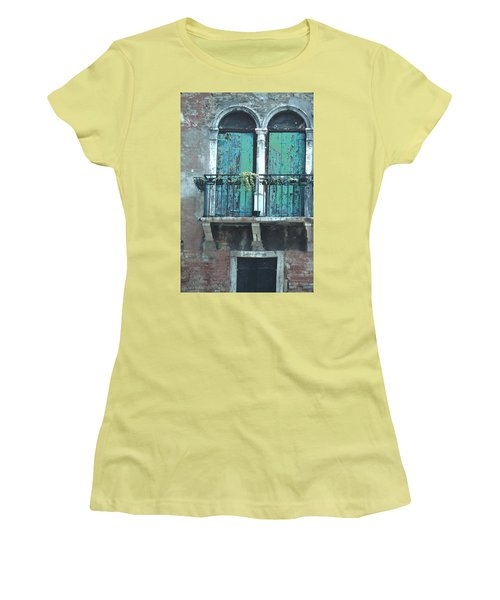 Weathered Venice Porch Women's T-Shirt (Junior Cut) by Tom Wurl