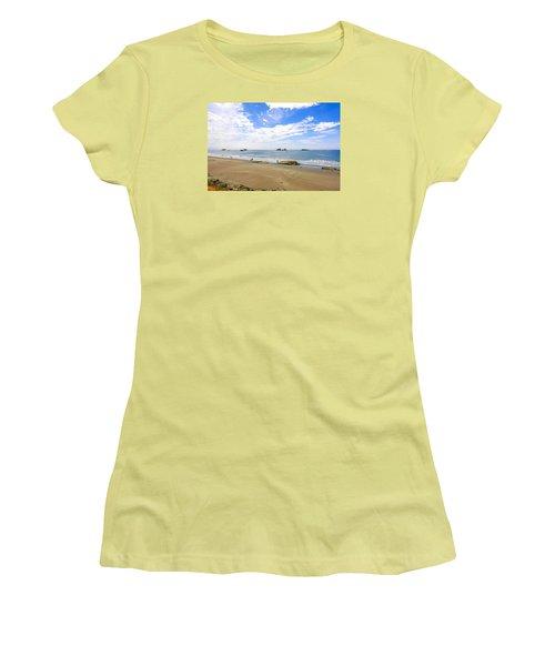 California Coastline Women's T-Shirt (Junior Cut) by Chris Smith