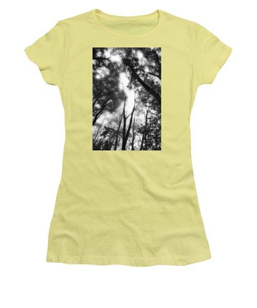 Women's T-Shirt (Junior Cut) featuring the photograph Dejavu by Hayato Matsumoto