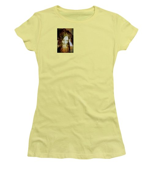 I Want To Believe Women's T-Shirt (Junior Cut) by Heather King