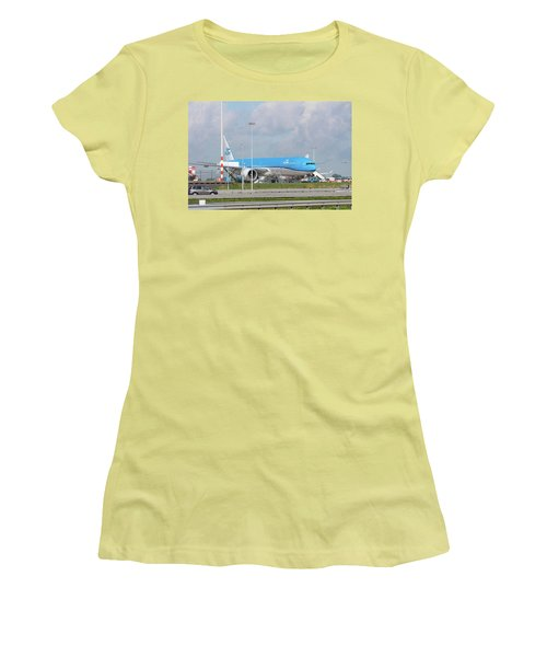 Klm Airplane At Amsterdam Schiphol Airport Women's T-Shirt (Junior Cut) by Hans Engbers