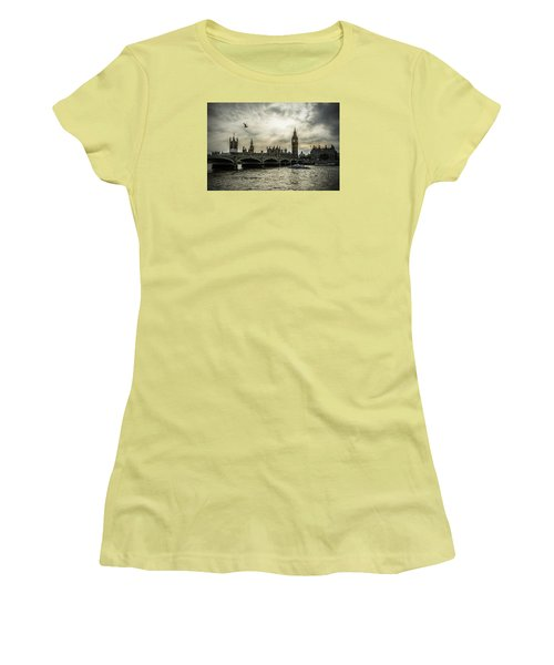 Women's T-Shirt (Junior Cut) featuring the photograph London by Jaroslaw Grudzinski