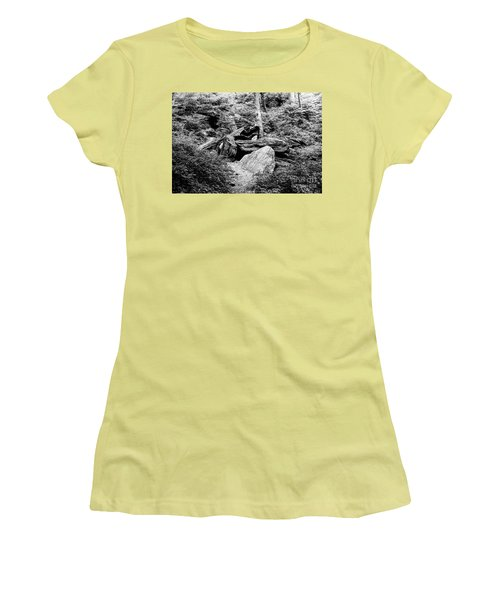 Native American Caves  Women's T-Shirt (Athletic Fit)