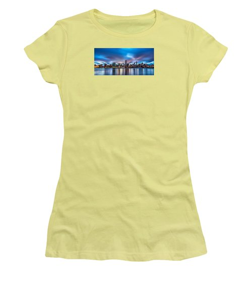 New York City Skyline Women's T-Shirt (Junior Cut) by Rafael Quirindongo