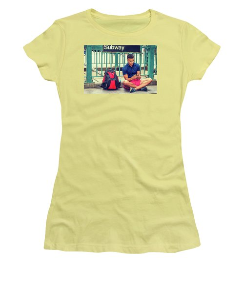 New York Subway Station Women's T-Shirt (Athletic Fit)